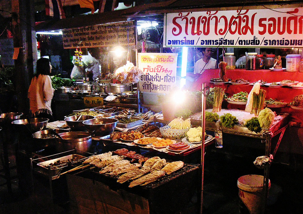 street-food-in-bangkok-thailand-honeymoon-indulgence