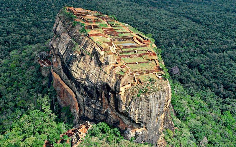 Sigiriya Rock Fortress-tour to Kandy