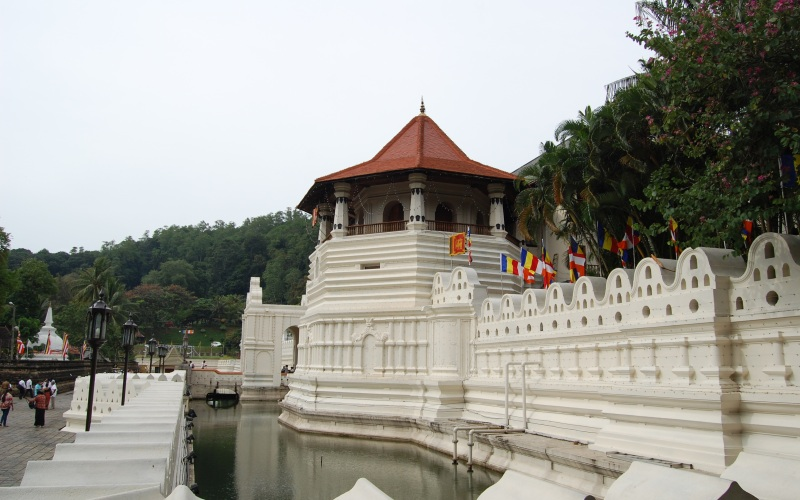 kandy-temple-of-the-tooth4