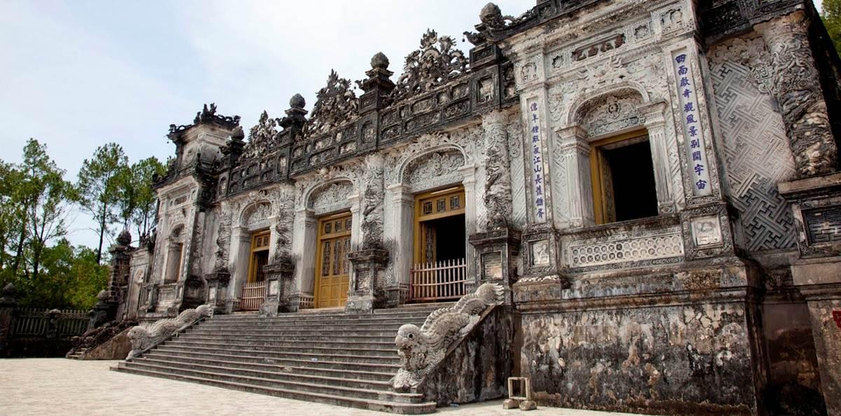 hue-khai-dinh-tomb-1