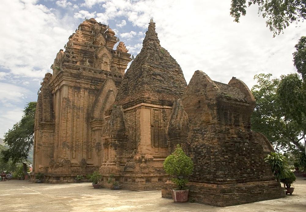 Champa-Po-Nagar-Temple-Nha-Trang