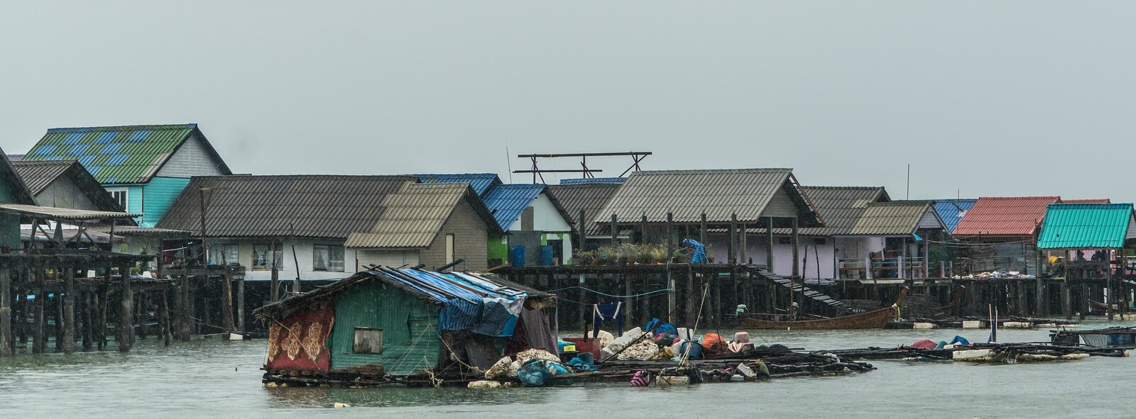 floating-village-cambodia