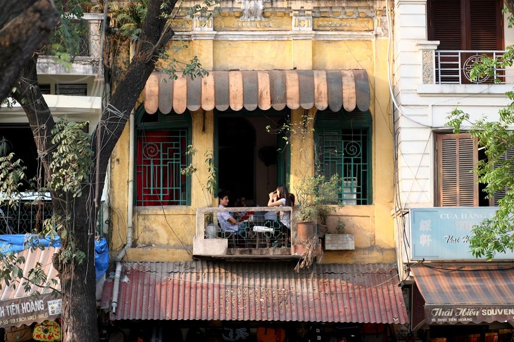 top-6-unique-cafes-for-travelers-in-hanoi