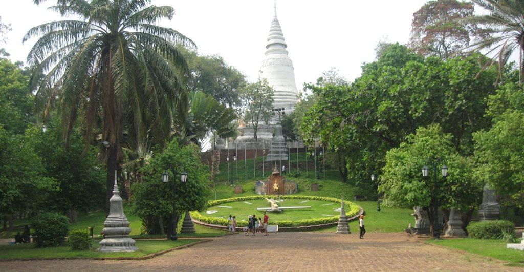 wat-phnom-phnompenh-cambodia