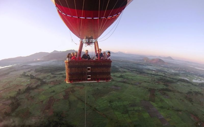 hot-air-balloon-ride-in-sigiriya-sri-lanka