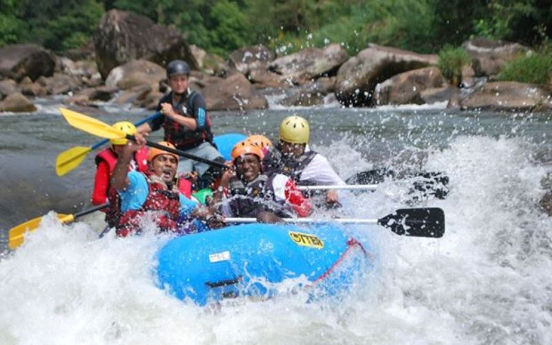 white-water-rafting-in-nuwara-eliya-sri-lanka