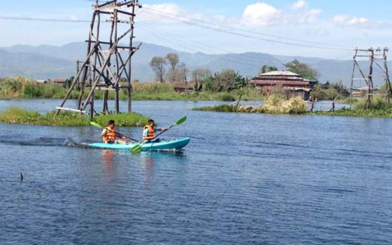 kayaking-on-inle-lake-myanmar