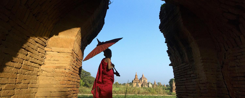 monk-bagan-myanmar