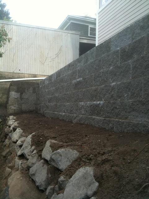 Retaining Walls & Rockery
