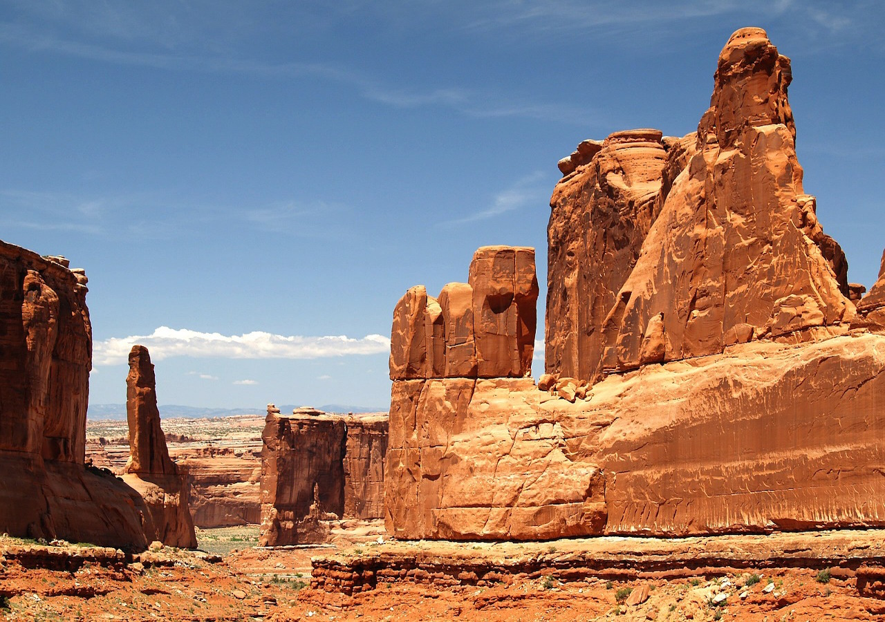 powell-Six national parks! Four famous destinations! Two Indian tribal parks and more.