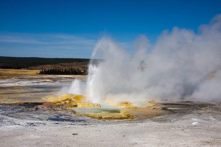 8 Days Yellowstone National Park - Big Circle Tour