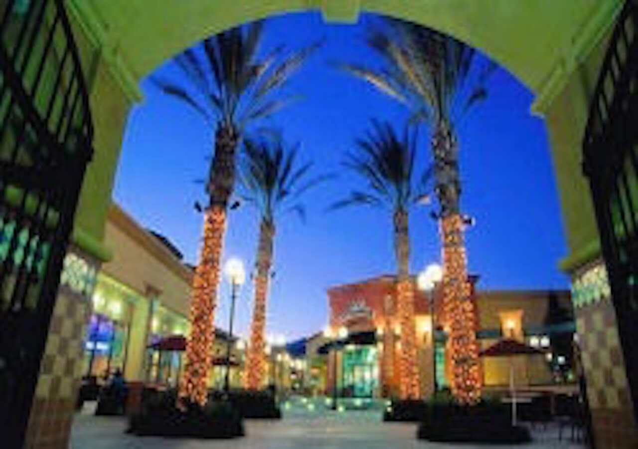 1-Day Palm Springs Outlets Tour