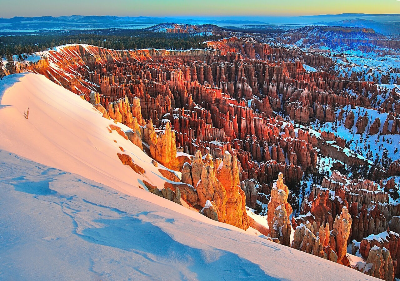 National Parks: Petrified Forest, Arches,Monument Valley, Canyonlands, Bryce Canyon, Zion. Las Vegas