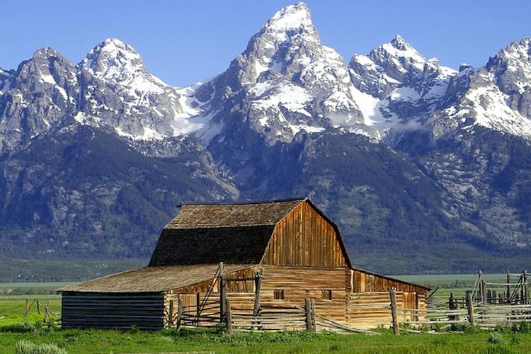 旅游线路:黄石公园, 拱门国家公园, 布莱斯石林, 包伟湖, 羚羊彩穴, 拉斯维加斯, 南加州