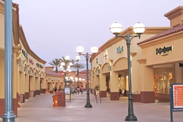 Palm Spring outlets