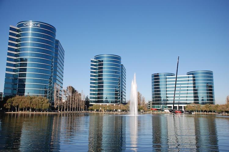 购物游湾区规模最大、名牌最多、档次最高的顶级奥特莱斯名牌购物广场——全新奢华打造的Livermore Premium Outlets