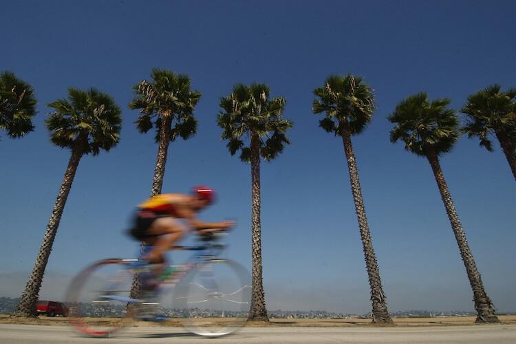 杉矶 - 南加八大自选项目(任选一) - 大峡谷国家公园 - 拉斯维加斯 - 巧克力工厂/仙人掌庭院 - 奥特莱斯 - 洛杉矶