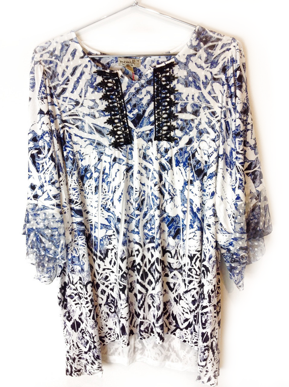 New-One-World-Womens-Printed-Knit-3-4-Ruffle-Elbow-Pleated-Blouse-Top-1x-54 thumbnail 2