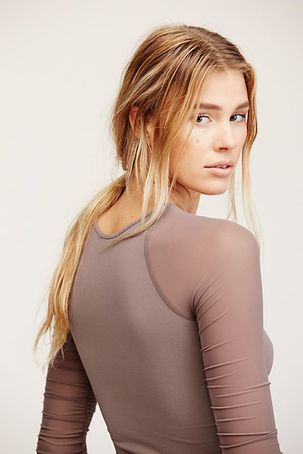New-Free-People-Womens-Sheer-Scrunch-Long-Sleeve-Seamless-Top-Multicolors-48 thumbnail 15
