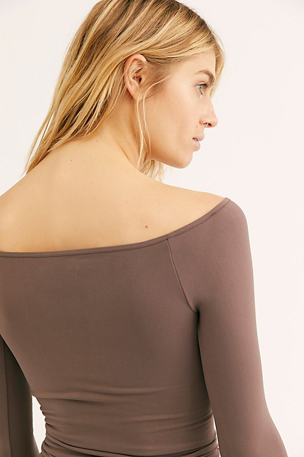 New-Free-People-Womens-Seamless-Long-Sleeve-Off-The-Shoulder-Solid-Top-38 thumbnail 19