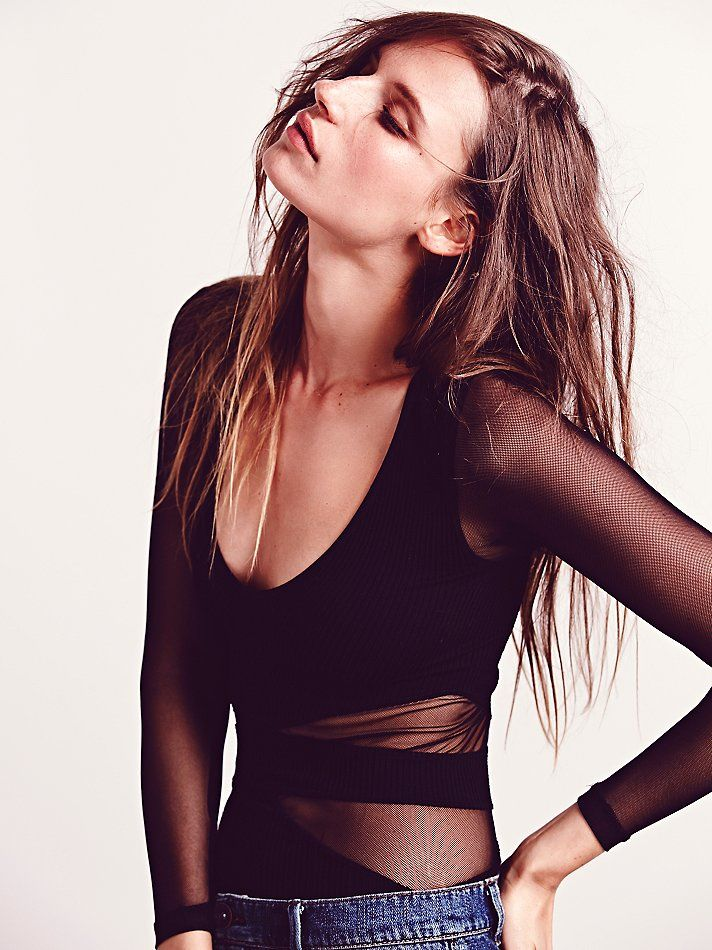 New-Free-People-Seamless-Cut-Out-Long-Sleeve-V-Neck-Sheer-Mesh-Top-Womens-30 thumbnail 3