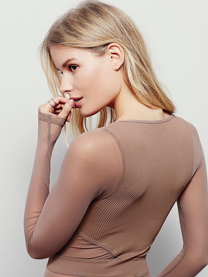 New-Free-People-Seamless-Cut-Out-Long-Sleeve-V-Neck-Sheer-Mesh-Top-Womens-30 thumbnail 7