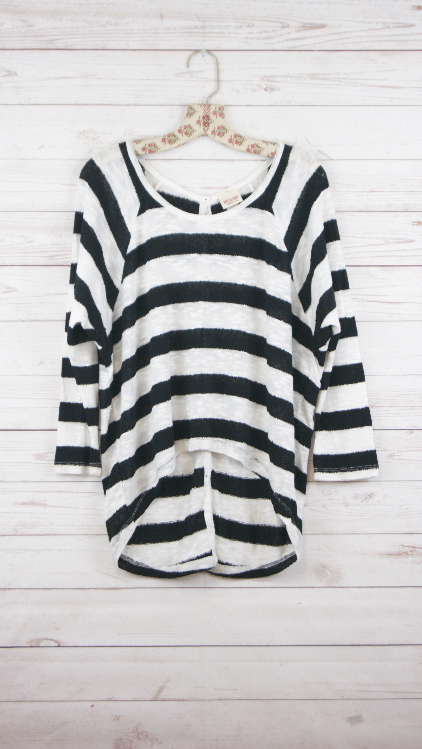 New-Mossimo-Womens-3-4-Sleeve-Striped-Casual-Knit-Top-Blouse-Black-amp-White-M-25 thumbnail 2