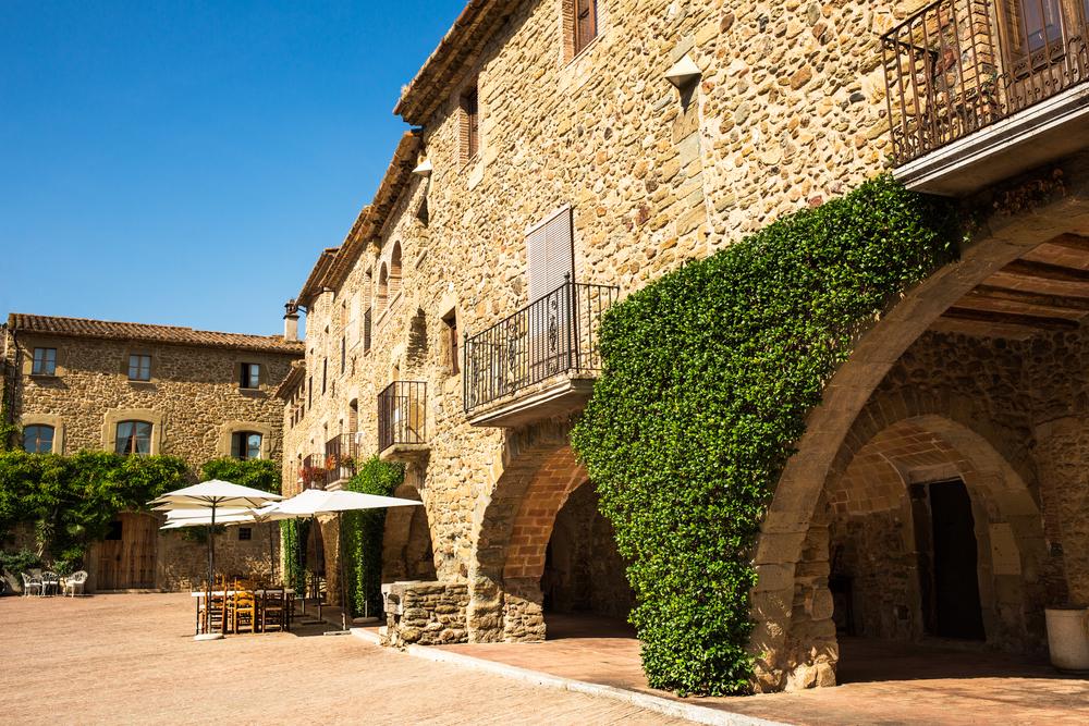 Arrive in Calella de Palafrugell