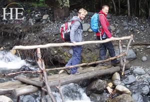 Trekking in Lago Grey