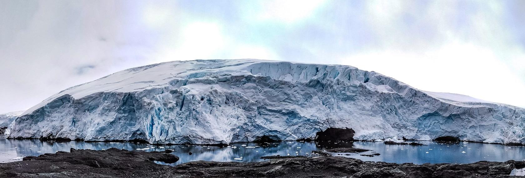 Glaciar Collins y un viaje al pasado