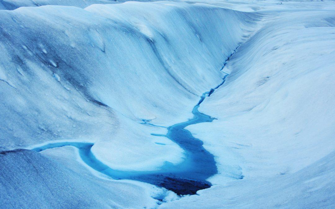 Glaciar Exploradores y deshielo superficial