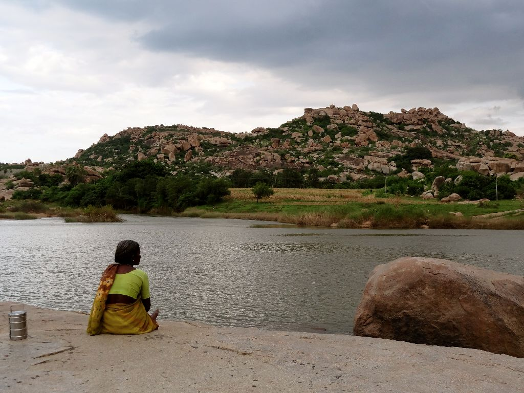 Relax-near-the-river-Hampi