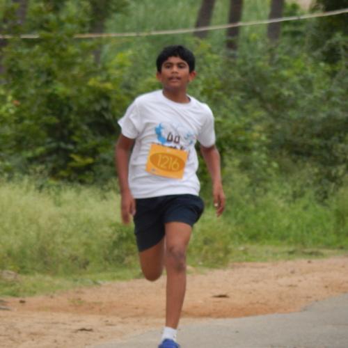 kid running in hampi