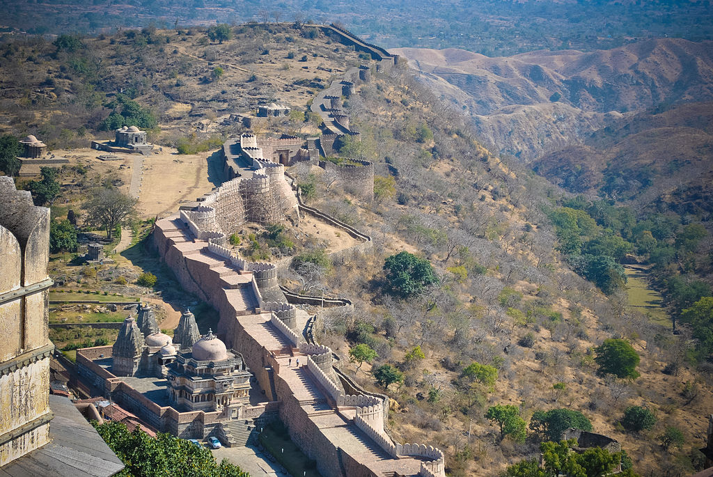 The_boundary_walls_of_Kumbhalgarh_fort,Udaipur