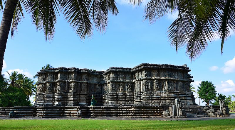 A_view_of_Kedareshwara_Temple_in_Halebidu