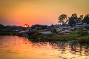 sunset-at-hampi-River