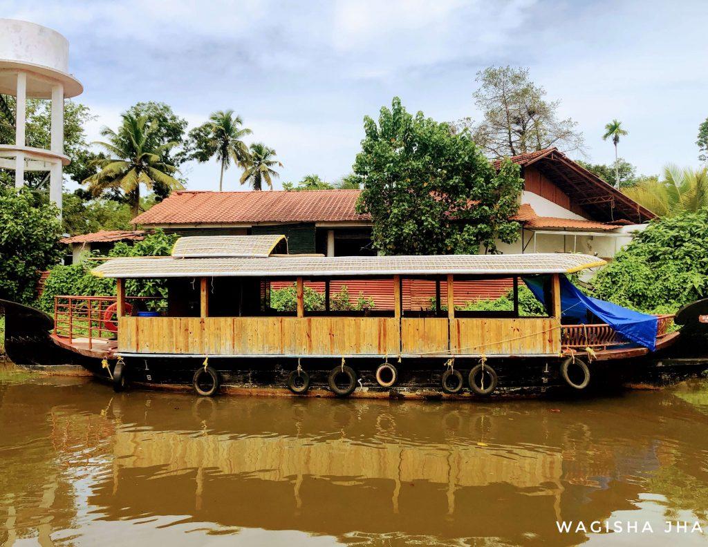 Kumarkom houseboat