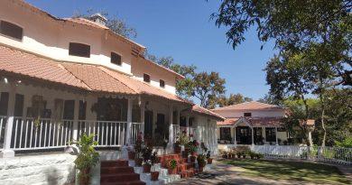 devdaru bungalow pachmarhi