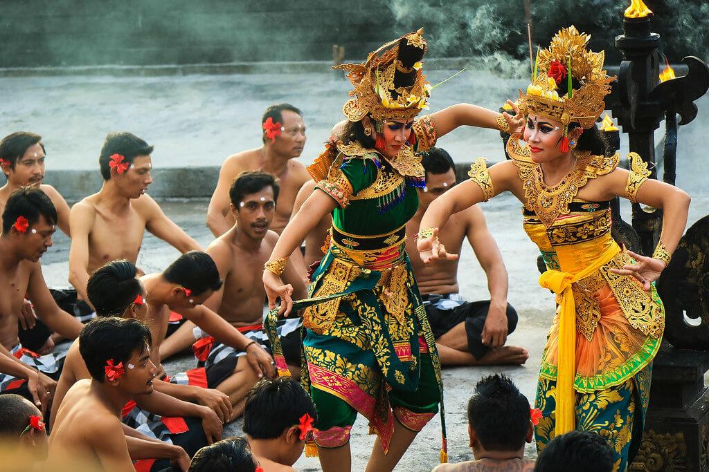 Runcation Bali Kecak-Dance-Uluwatu