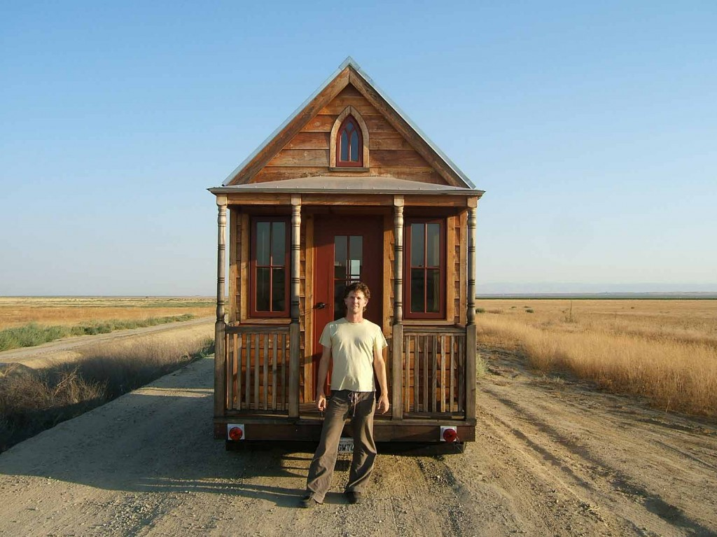 How tiny houses bring sustainable living to the masses for Simple living homes