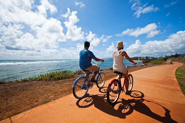 Biking in Kapaa.  Photo courtesy of Hawaii Tourism Authority (HTA) / Tor Johnson.