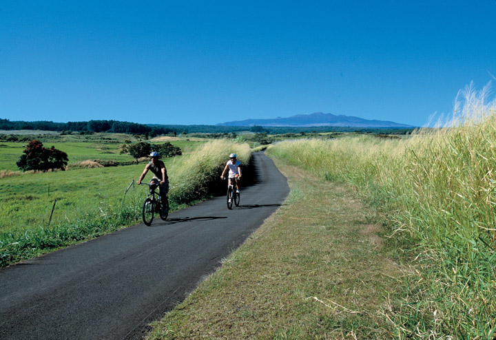 Bike Trail, Saddle Road | Hawaii Tourism Authority (HTA) / Kirk Lee Aeder