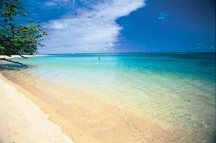 Anini Beach Park.  Photo courtesy of Hawaii Tourism Authority (HTA) / Robert Coello.
