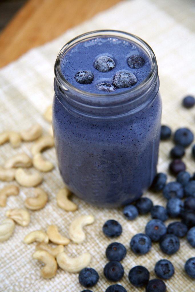 Deliciously Filling High-Protein Smoothies to Help With Weight Loss