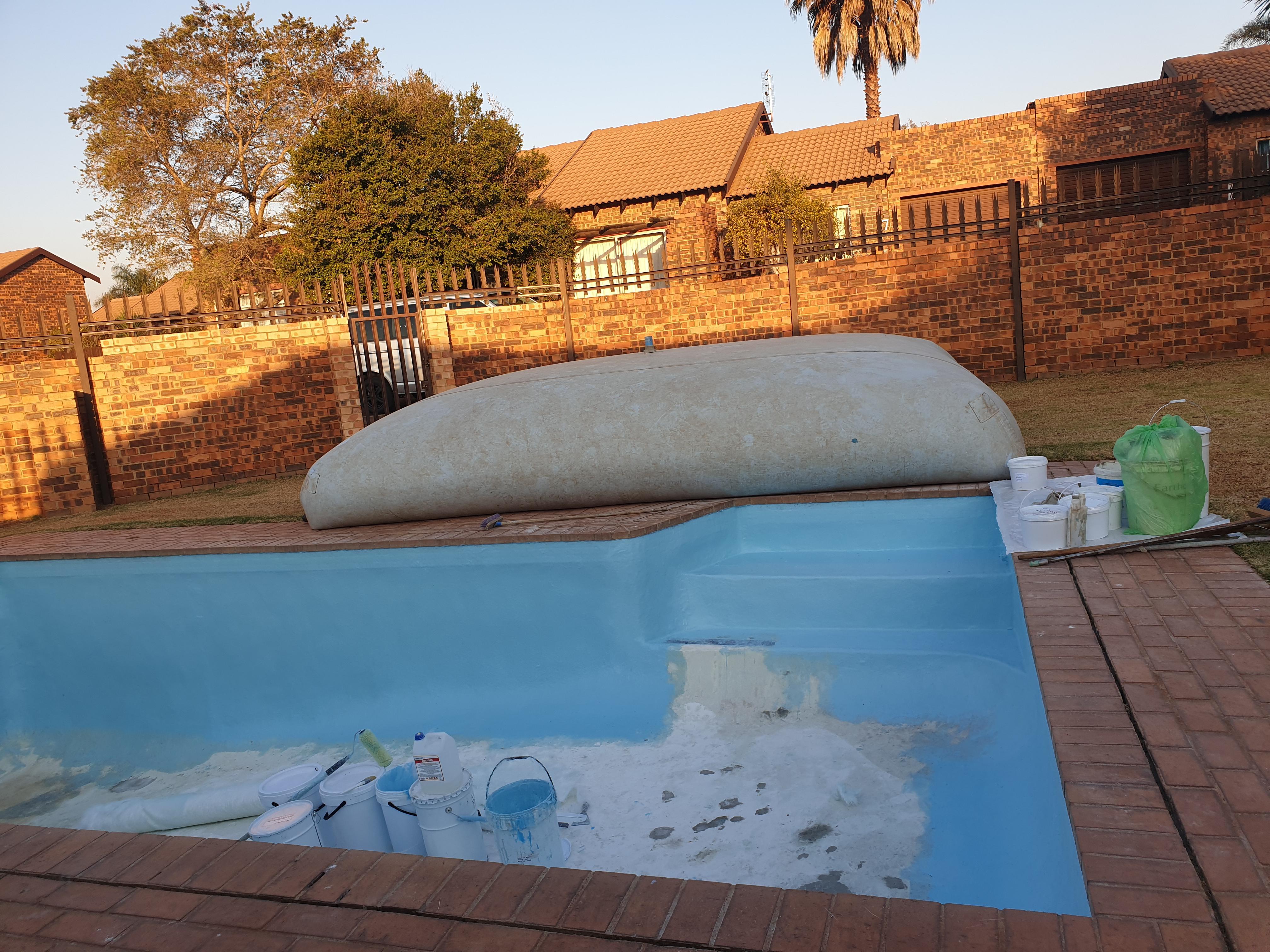 Swimming pool repair water storage bag - photo ...