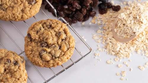Cannabis-infused Recipe: Oatmeal Raisin Cookies