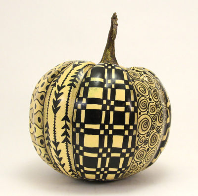 black-zentangle-pumpkin-side-2-img_3796-700x694px