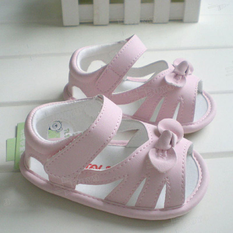 When buying baby shoes on eBay, it can be a good idea to either choose brands that are familiar – so the sizes are familiar – or to choose shoes that offer a size guide in the item's description.