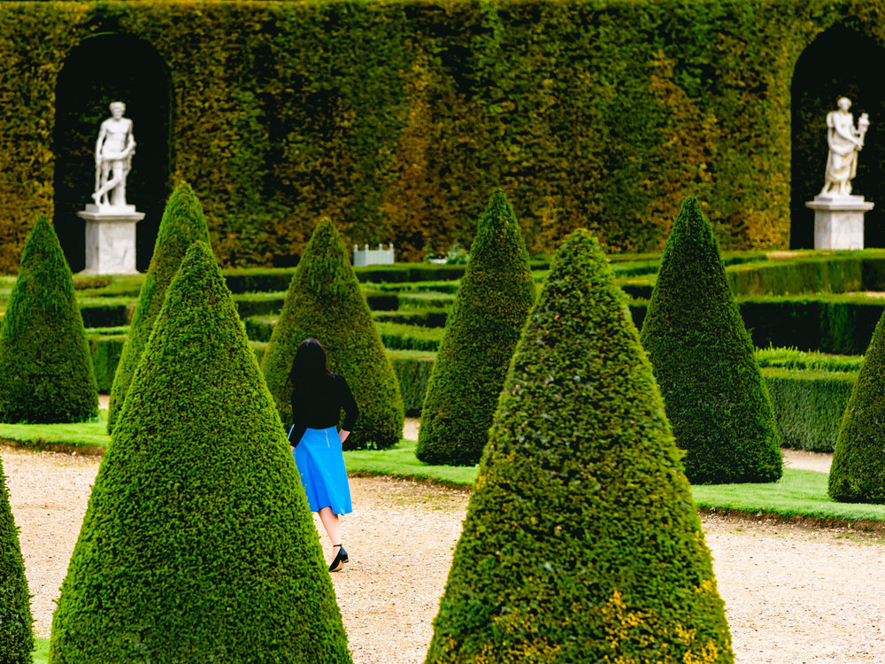 getting lost in the versailles gardens feels like Alice in wonderland.