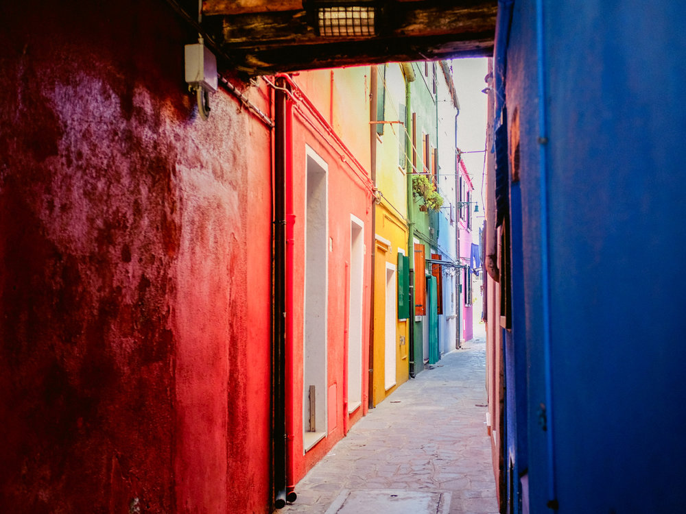 This travel photo with lots of color, bright highlights and dark shadows was captured with the fujifilm x100t.